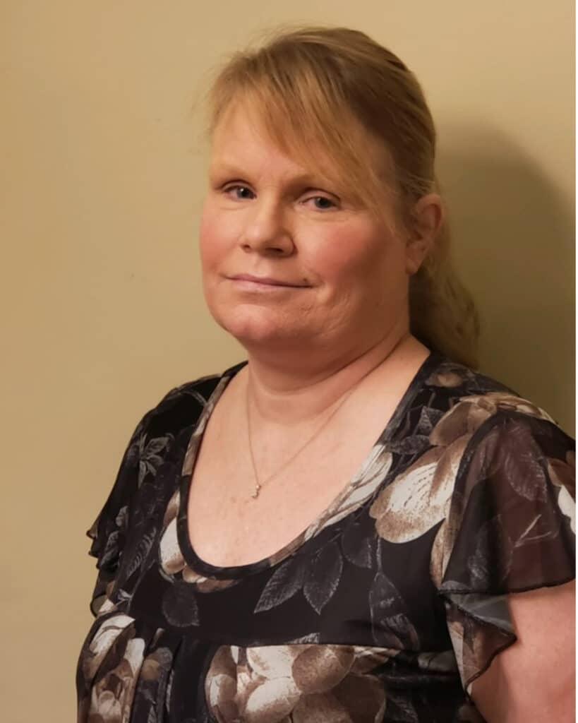 Janet Weaver Headshot